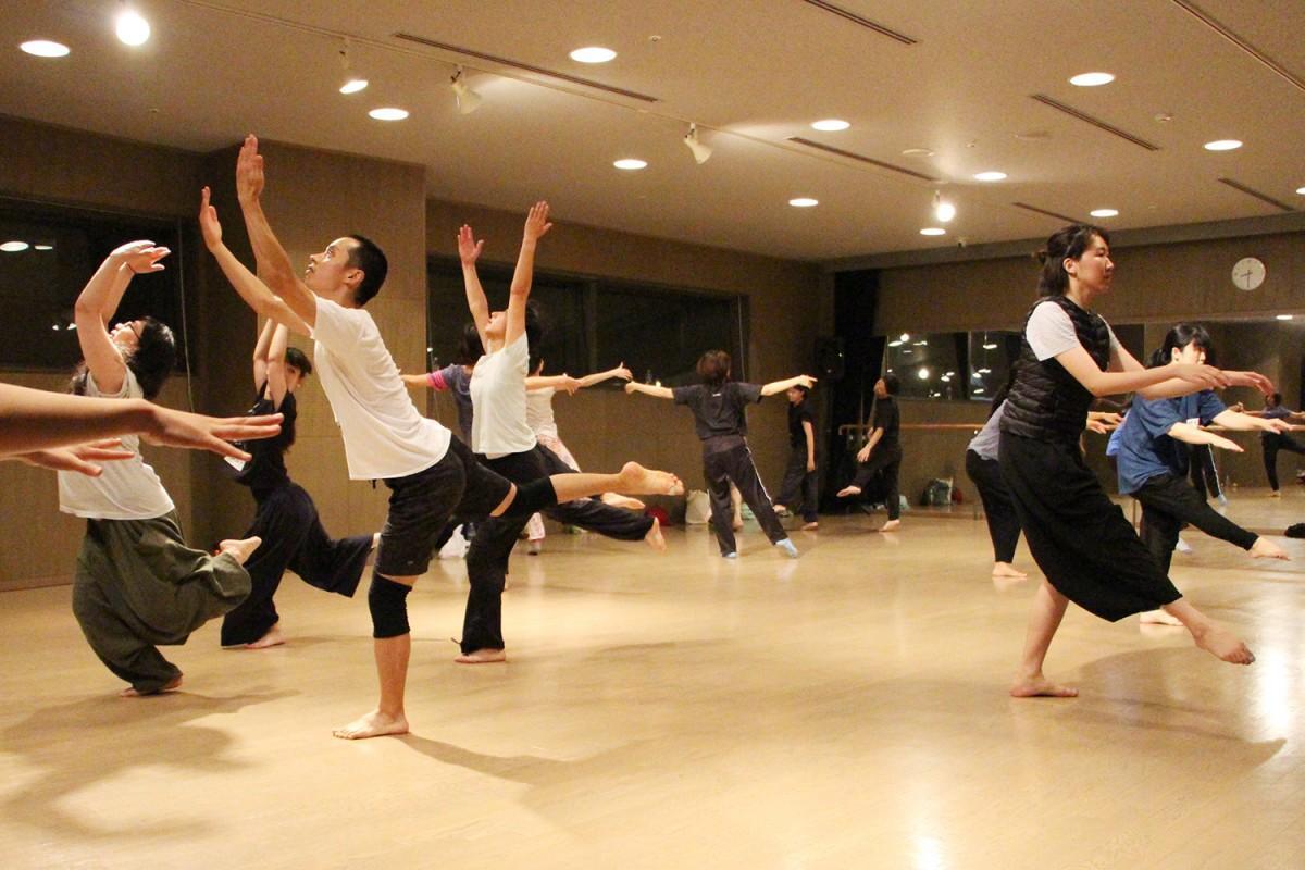 北九州芸術劇場でのワークショップの模様
