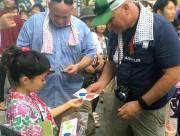 熊谷うちわ祭で子どもツアーガイド 外国人観光客に通訳、一緒に山車を引く体験も