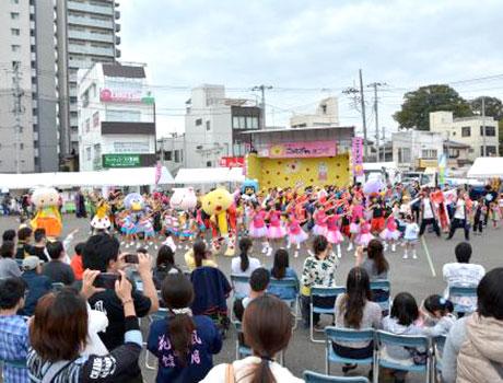 コミュニティー広場で行われた昨年第9回の様子(画像提供は熊谷市)