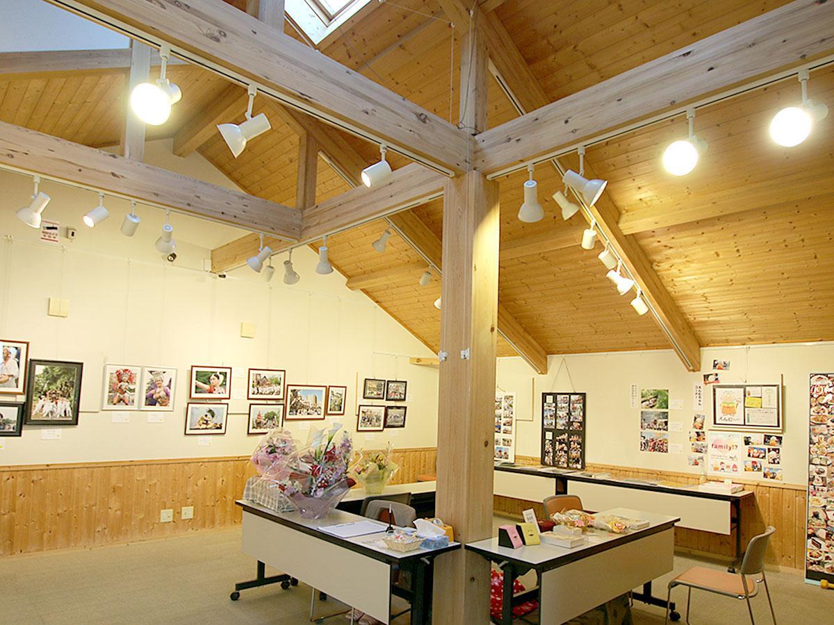 写真展示会の様子。1日貸しから申し込める貸しギャラリーは、活動展示やアーティストの作品展示販売にも使用される。
