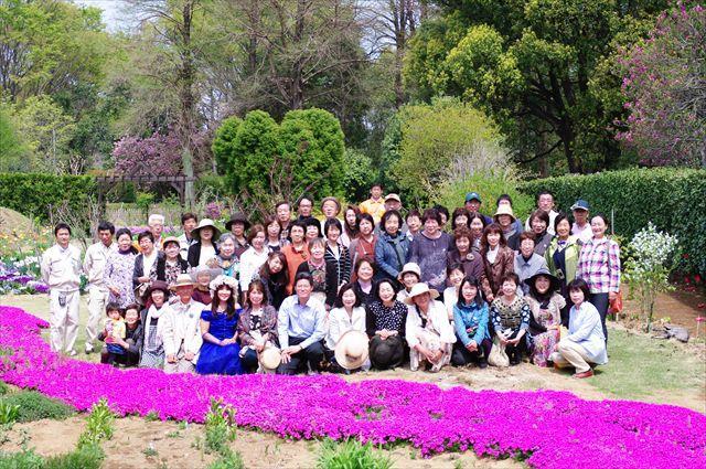 埼玉県おもてなし大賞を受賞した深谷オープンガーデン花仲間のみなさん