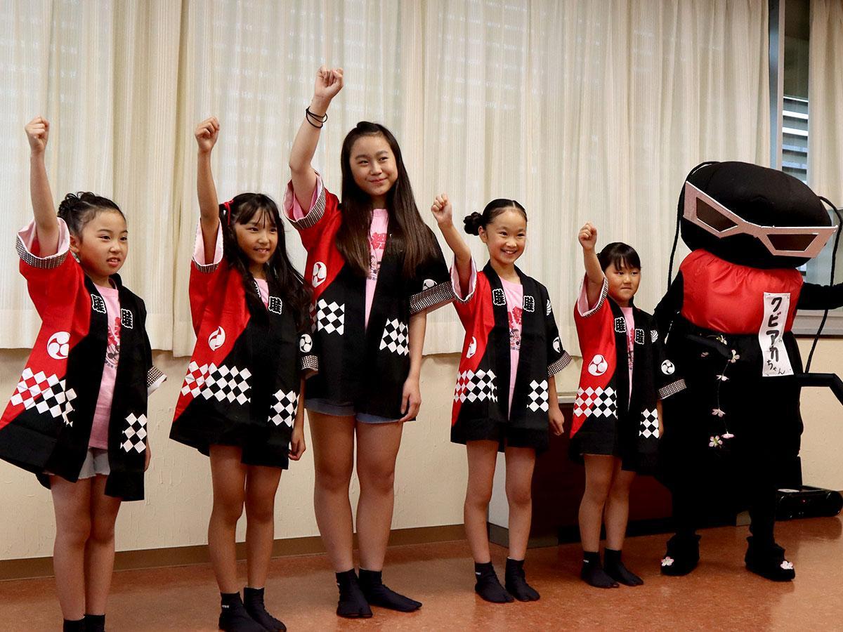 クビアカツヤカミキリのゆるキャラ『クビアカちゃん』はメンバーの手作り