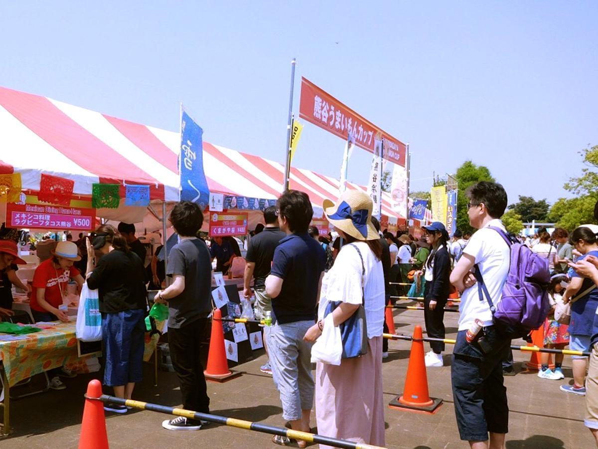 「うまいもん」を求める来場者で盛況だった前回の様子(画像提供=熊谷市観光協会)