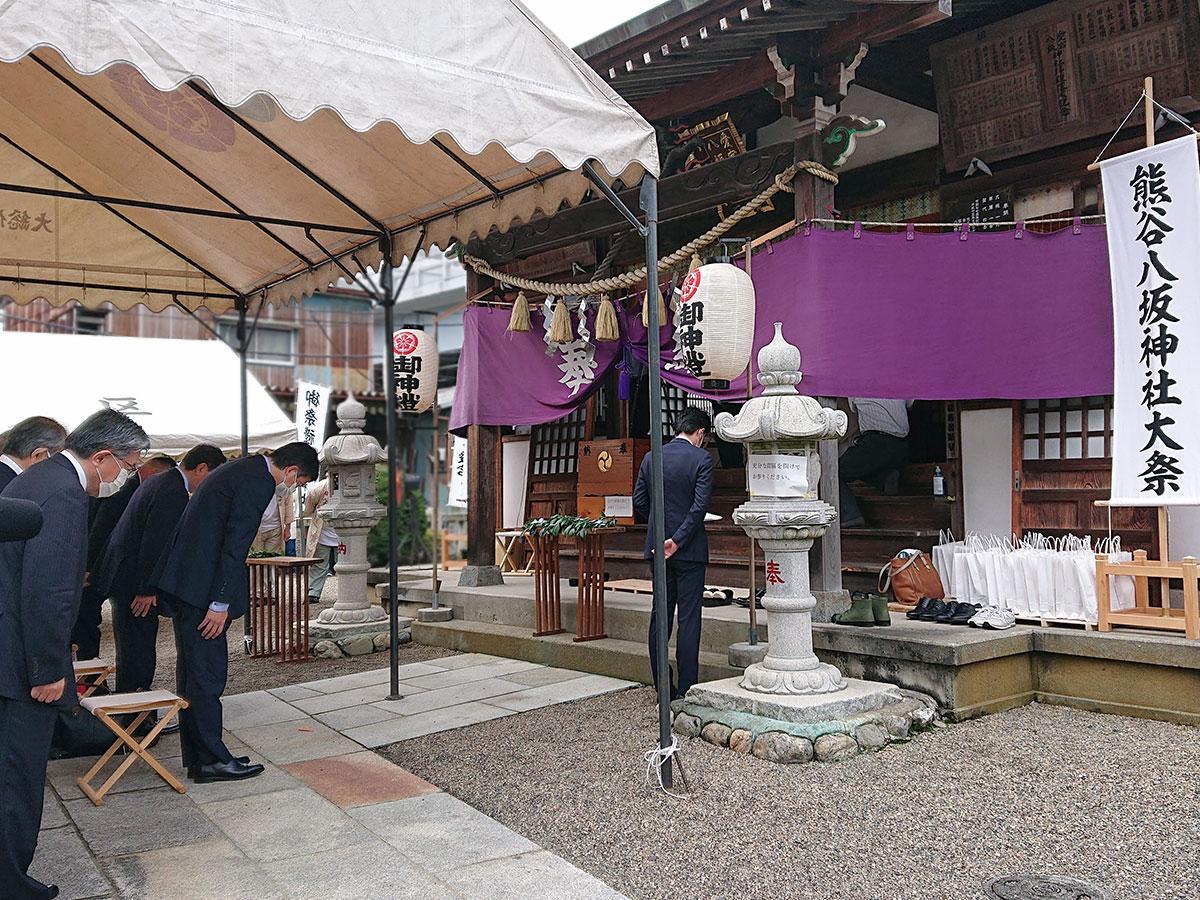 22日、八坂神社で関係者のみ参加して執り行われた本祭