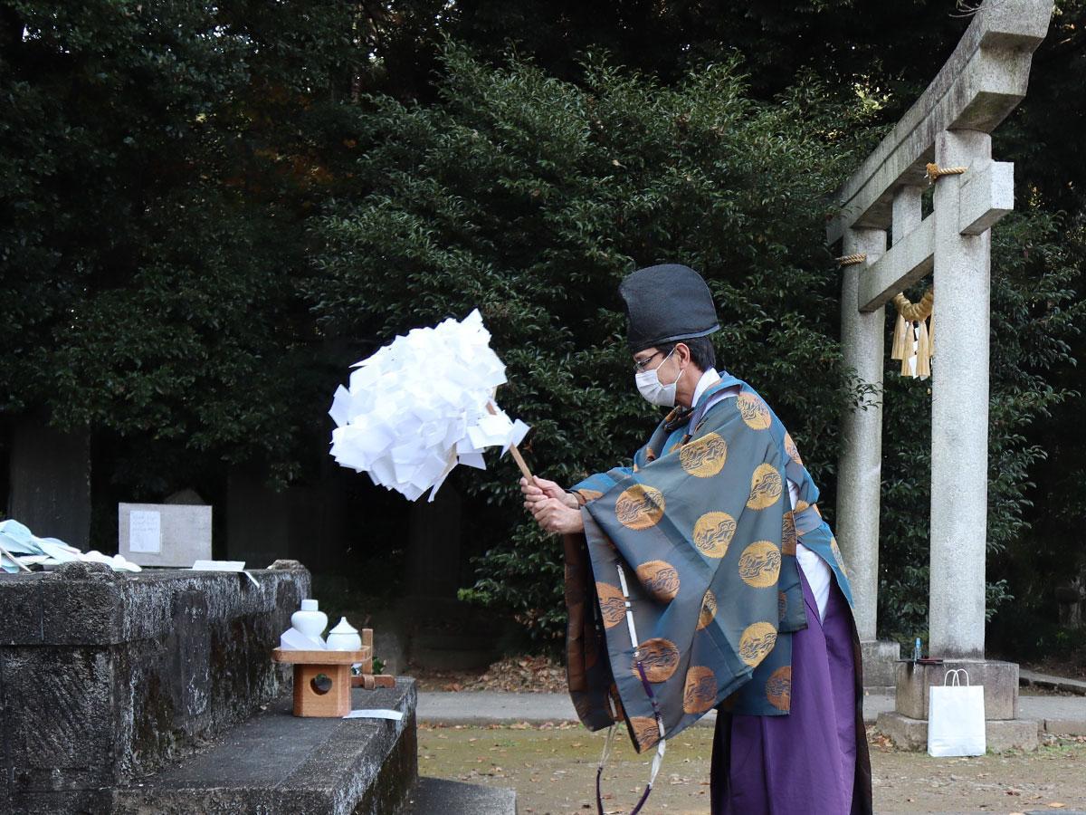 前玉(さきたま)神社で行われた足袋札焼納(たびふだしょうのう)祭