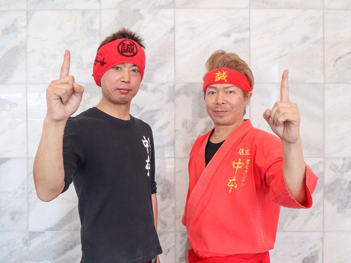 白根社長(右)と塚本店長(左)は共に熊谷市出身