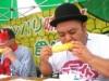 深谷の道の駅でトウモロコシ早食い大会 特産品「味来」の魅力アピール