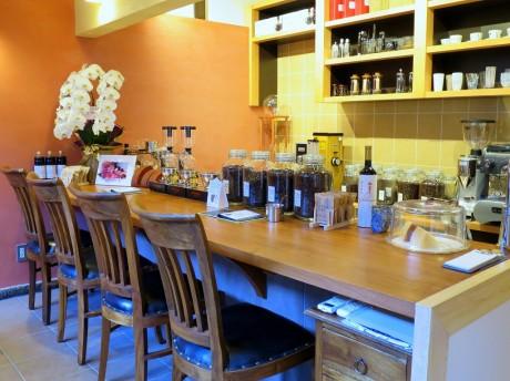 「kobacoffee」のカウンター席