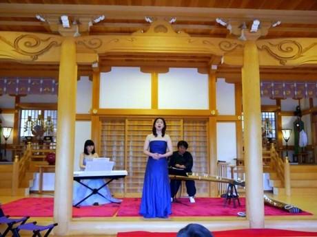早島在住のソプラノ歌手・長山薫さん