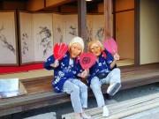 倉敷伝統「素隠居」 じじ・ばばに扮し記念撮影、「連れ添った夫婦の思い出に」