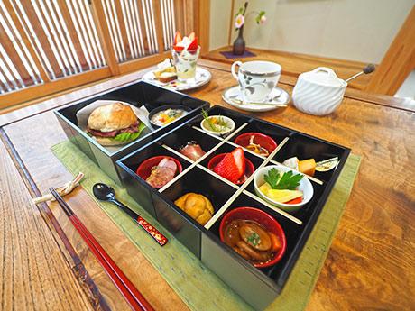 小町の松花堂ランチ(1,500円)。前菜と主菜、水果の全てに果物が入る