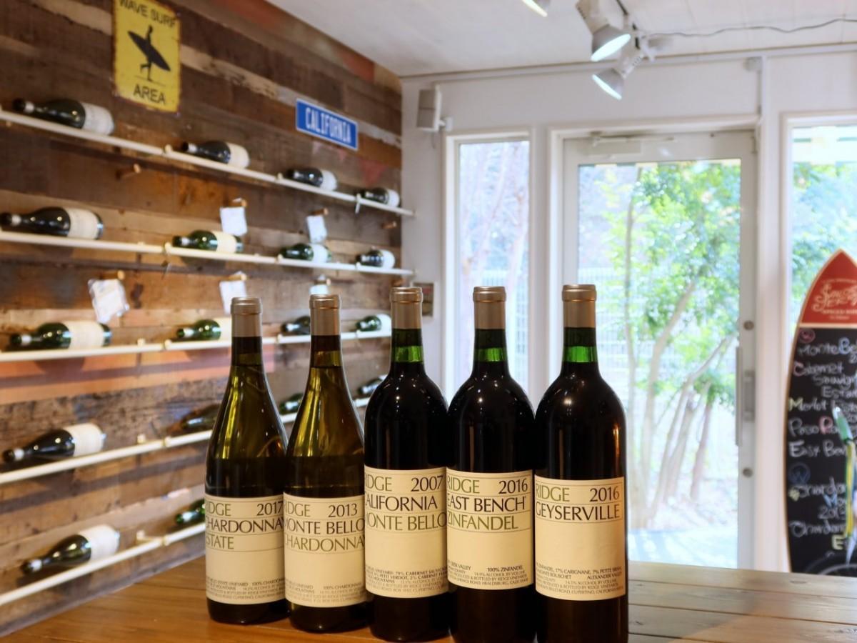 リッジ・ヴィンヤードのワインと店内の様子