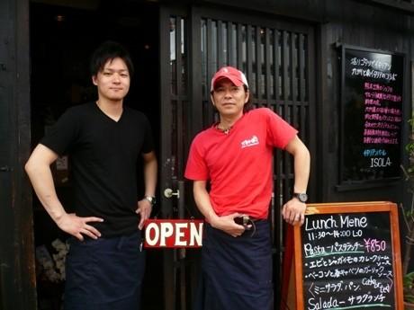 店主・稲尾さん(右)従業員・吉岡さん(左)