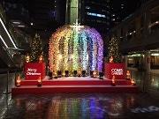 京橋コムズで恒例のクリスマス抽選会 音楽イベントも