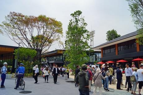 大阪城公園内にオープンした「JO-TERRACE」開業初日の様子