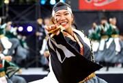 大阪城公園でみんなで踊る「こいや祭り」