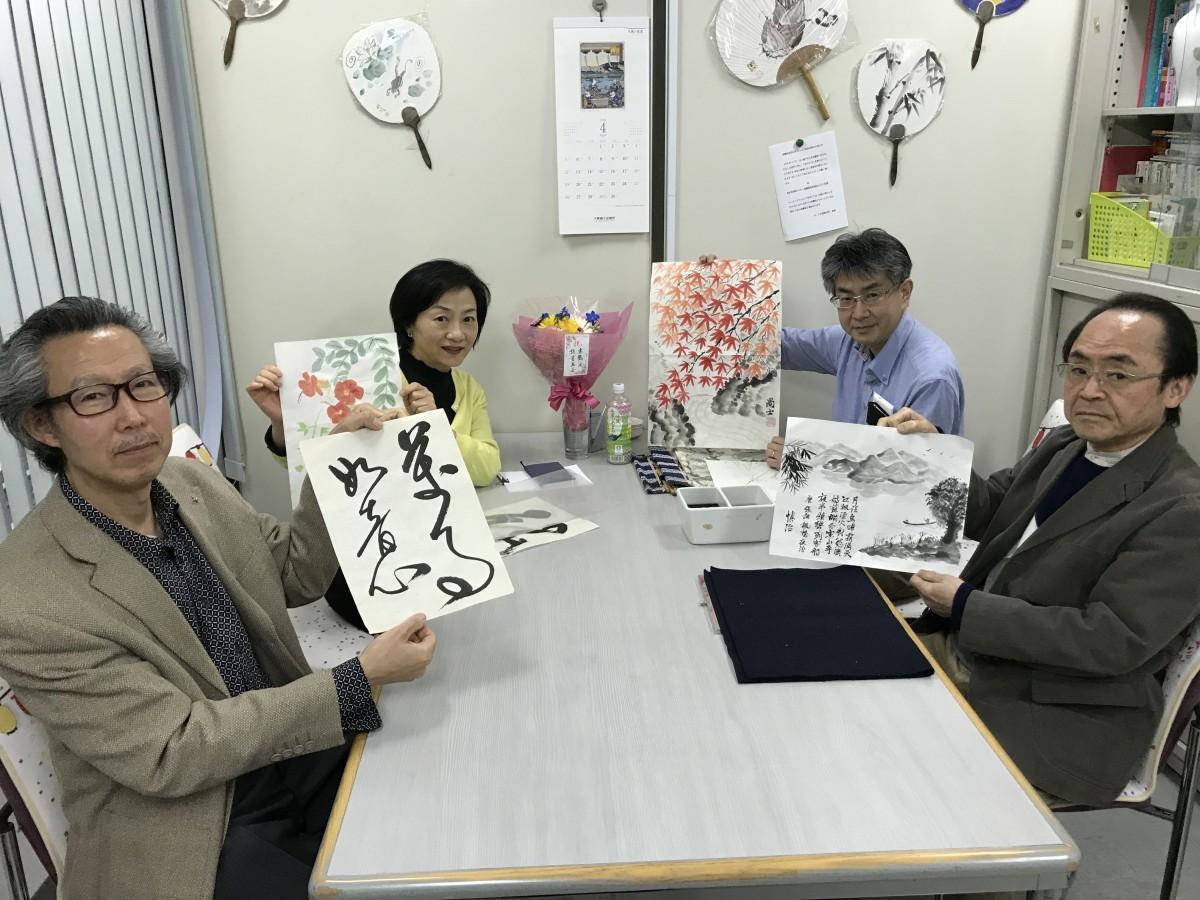 (前列左から)周逸鶴先生、岩崎慎治さん、(後列左から)張音さん、信岡尚士さん