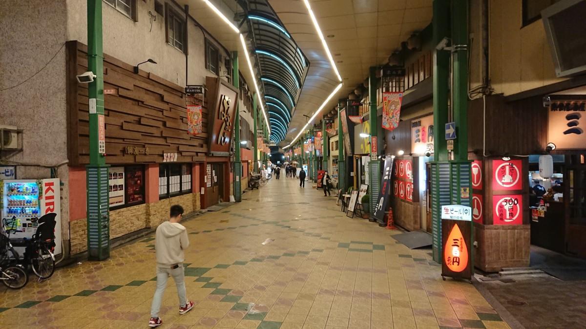 京橋東商店街 16日20時ごろ
