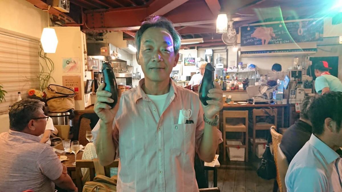 今回の食材「大阪なす」を提供した川角勇司さん。「家業を継ぎ今年で26年、経験値は上がったが毎年1年生の気持ちで育てている」と話す。