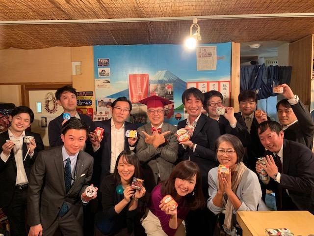 缶詰博士・黒川勇人さんと各メーカー担当者の集合写真