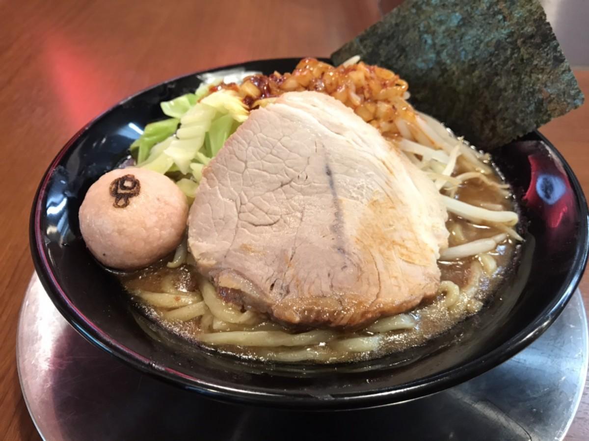 「えびす(うま辛魚介豚骨ラーメン)」(950円)