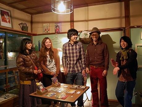 mintakaスタッフ。左から井野さん、望月さん、狩野さん、和田さん、佐藤さん。
