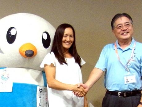 相模原町田経済新聞「ウインブルドン」ベスト4の青山修子さん、町田市長を表敬訪問