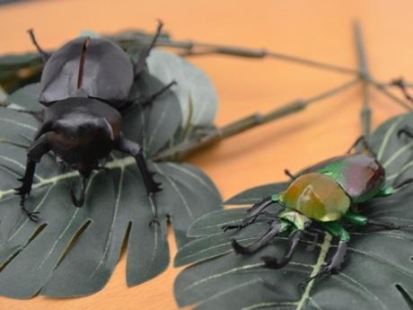 「超絶技巧」の昆虫ペーパークラフト