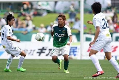 ゴールを決めた保﨑選手 ©s.c.sagamihara/yumiko.shinoda