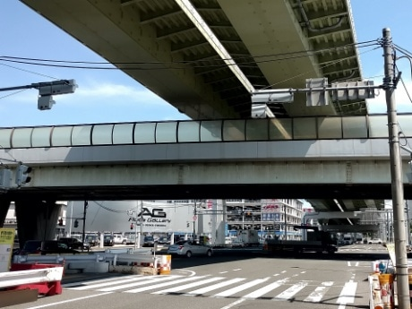 東名入口交差点
