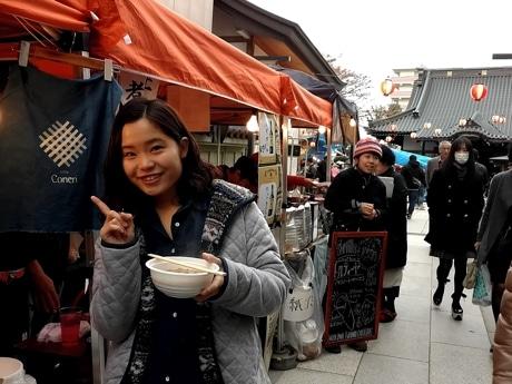 町田駅周辺の個人店「看板娘」が接客することも