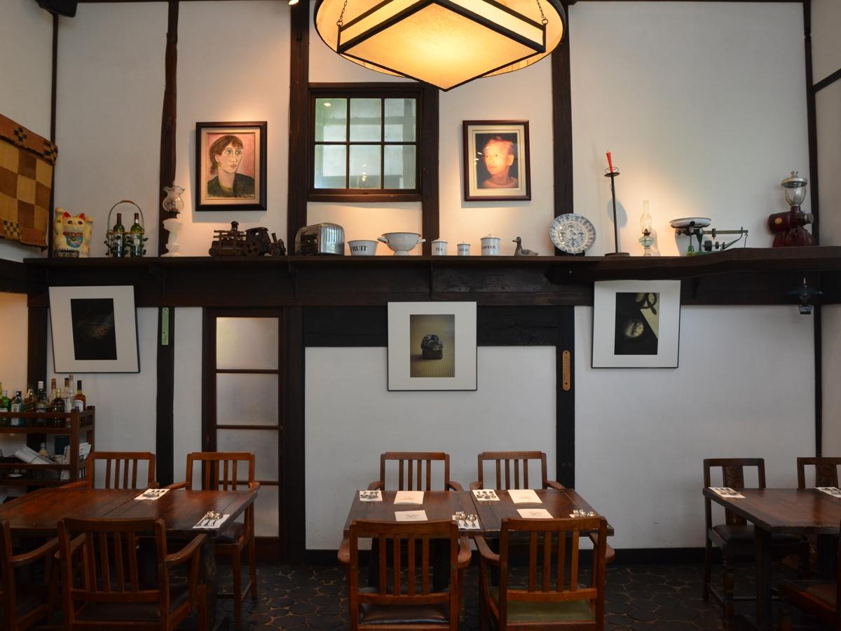 レストラン内に展示された大門さんの作品