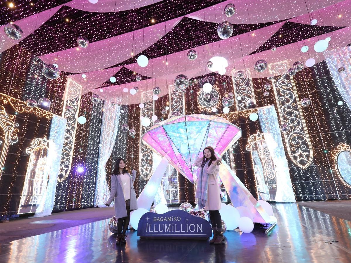 360度フルカラーLEDに包まれる「光の宝石箱」