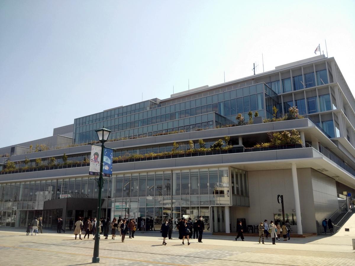 オープン5カ月で来館者100万人を超えた大和市文化創造拠点「シリウス」内の図書館も利用できる。