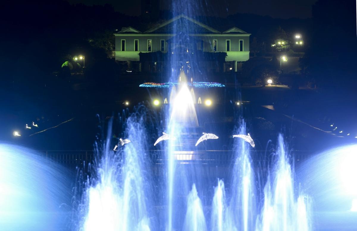 フランス式庭園のライトアップ