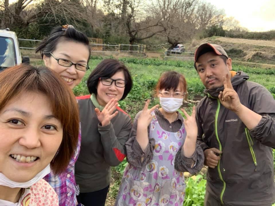 埼玉県から町田にやって来た「ダイコン救出キャラバン隊」とバンブービレッジファームの竹村さん
