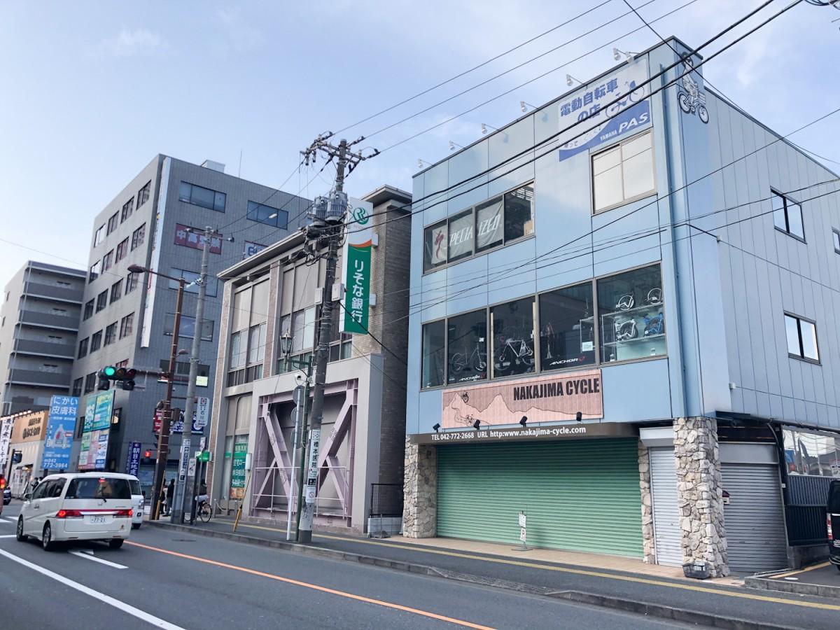 総じて地価が下落するなか、橋本駅周辺の商業地は上昇した