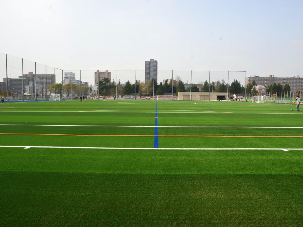 相模原スポーツ・レクリエーションパークの人工芝グラウンド