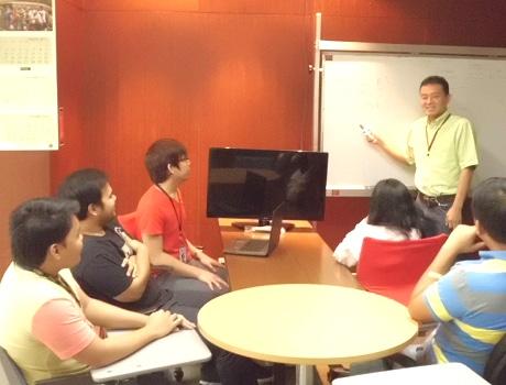 エキサイトPH(PHはフィリピンの意味)の立ち上げスタッフ4人は現在も在籍している