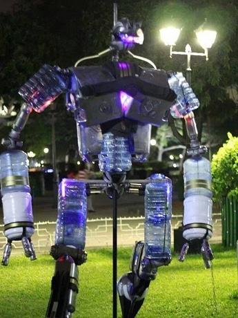 差別化が難しい水、最先端の技術の取り入れに余念が無いという「空ボトルで作ったロボット」