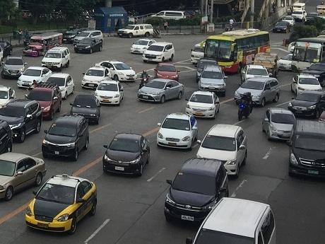 マニラ首都圏で新渋滞対策案 末尾制限には反発も