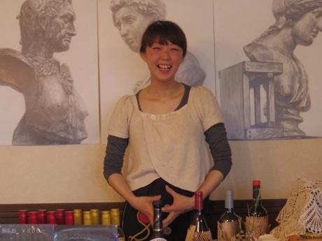鳥肌実さんの「六実講演会」の開催は、「絵画喫茶てんてんこ」の店主ミーカチントさんとの縁で実現