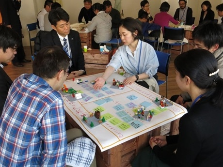 未来の松戸をレゴで表現する参加者