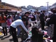 松戸南部市場でフリーマーケット 80店が出店