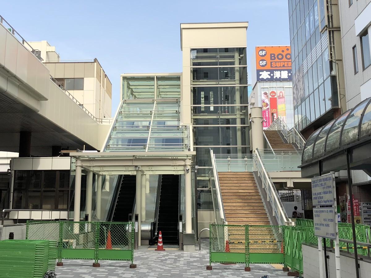 松戸駅西口ペデストリアンデッキ下
