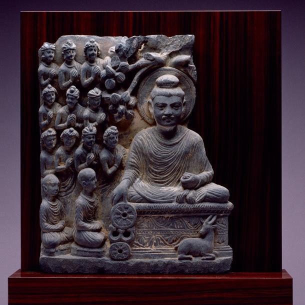 浮彫「初転法輪(しょてんぼうりん)」(2~5世紀)