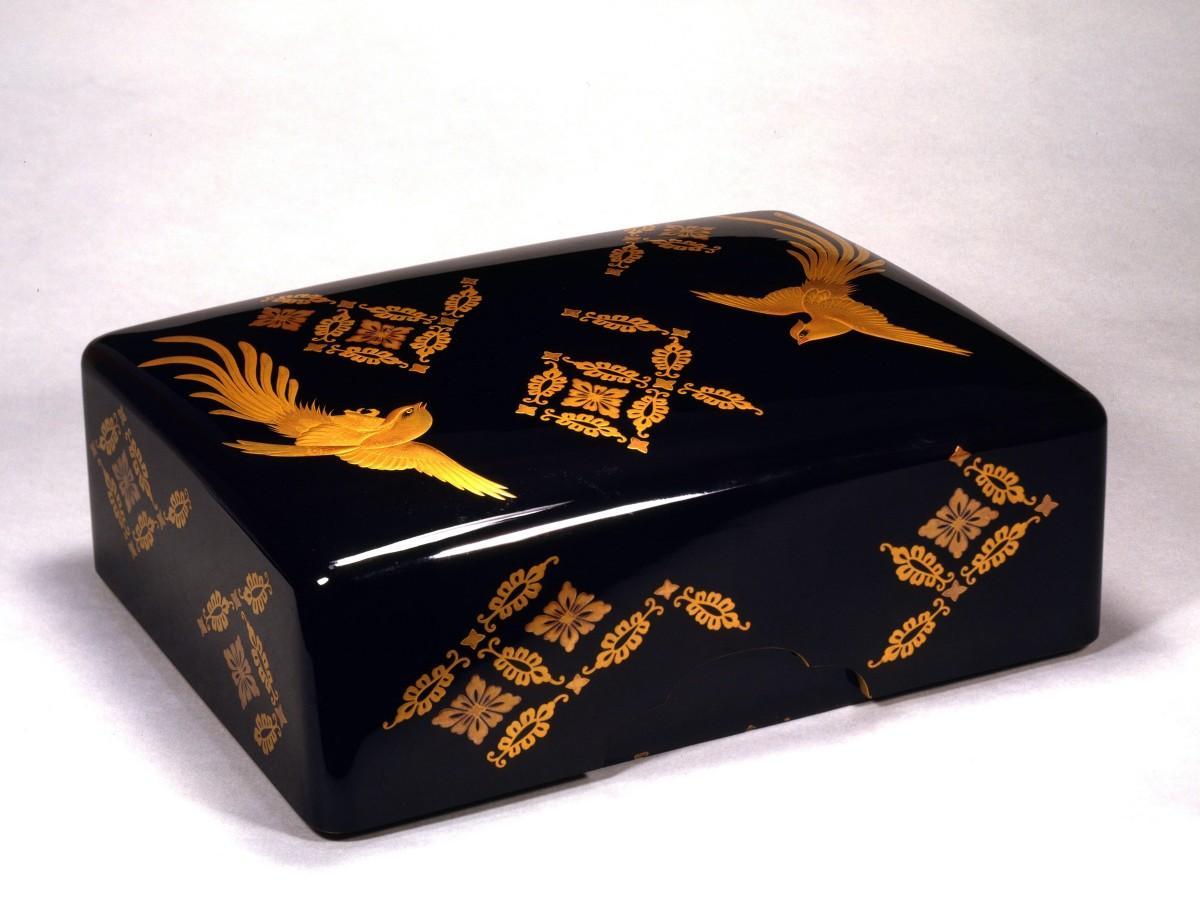 武定の妻・繍子に皇室から遺贈された黒漆凰菱文手箱