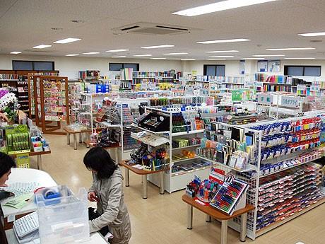 約1万点のアイテムが並ぶ店内。