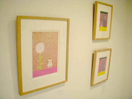 優しい雰囲気の芳野さんの作品が並ぶ。