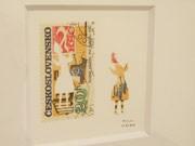 安曇野のギャラリーカフェで切り絵展-切手から「飛び出した」人物を表現